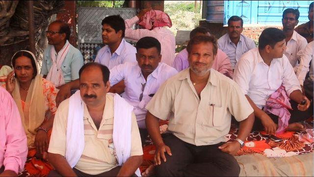 प्रदेश २मा आफ्नो शिक्षा ऎन बनाउन माग गर्दै , मुख्यमन्त्री कार्यलय अगाडि अस्थायी शिक्षक धर्नामा