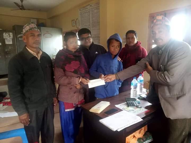 बाख्रा पालनका लागि अपाङ्गता किशोरलाई आर्थिक सहयोग