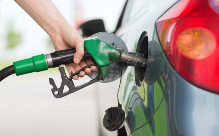 नेविसङ्घद्वारा पेट्रोलियम पदार्थको मूल्यवृद्धि खारेज गर्न माग