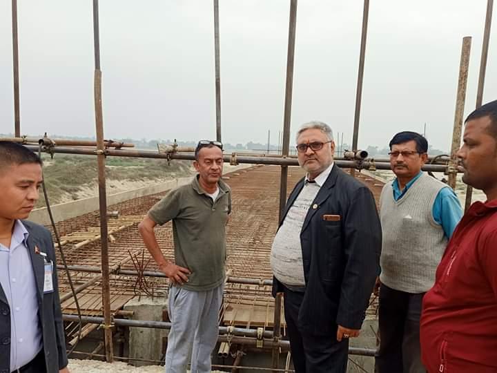 साँसद अरगरियाद्वारा कमला पुलको निरीक्षण