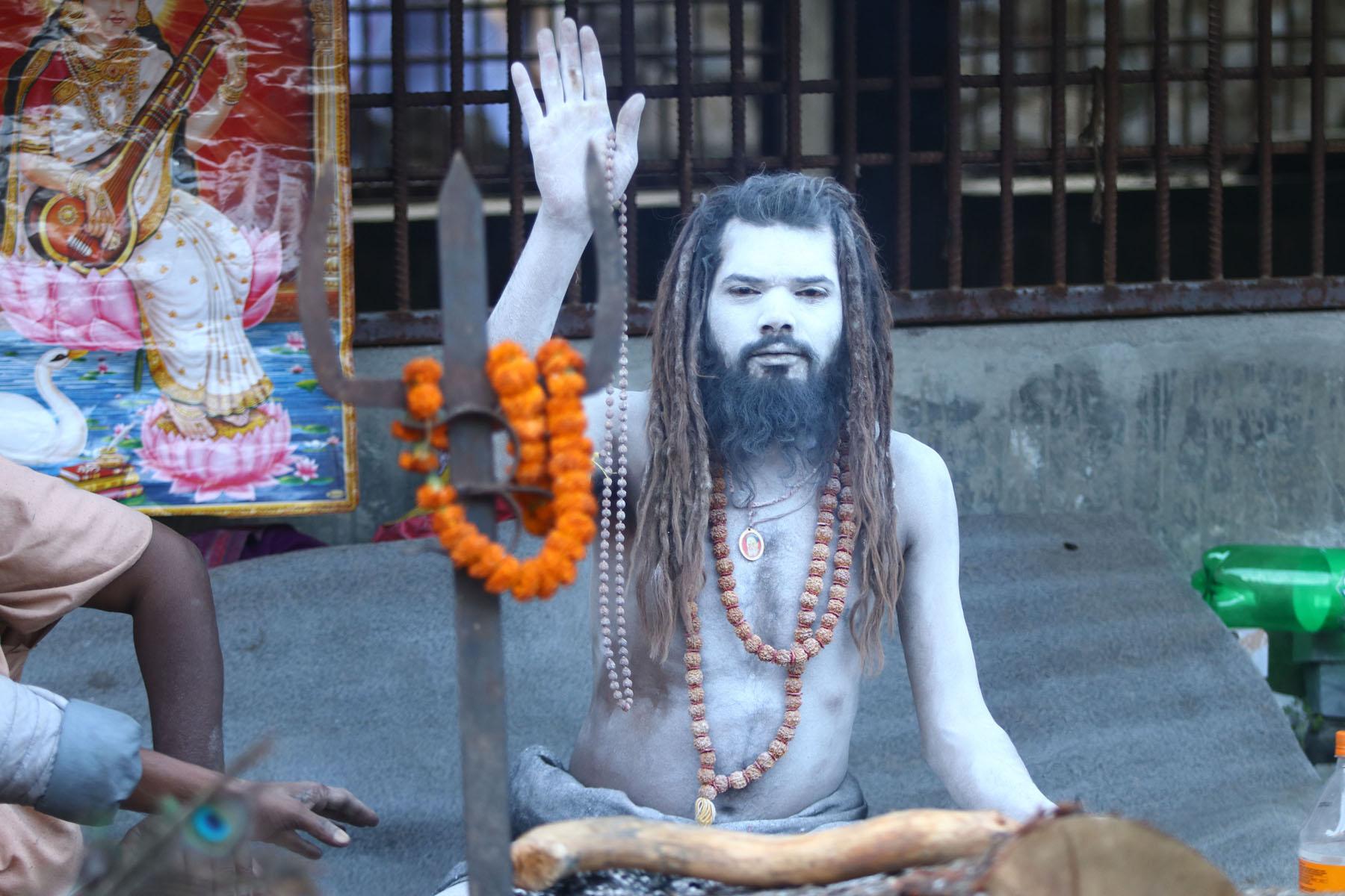 आज महाशिवरात्रि शिवको पूजा आरधना गरिँदै