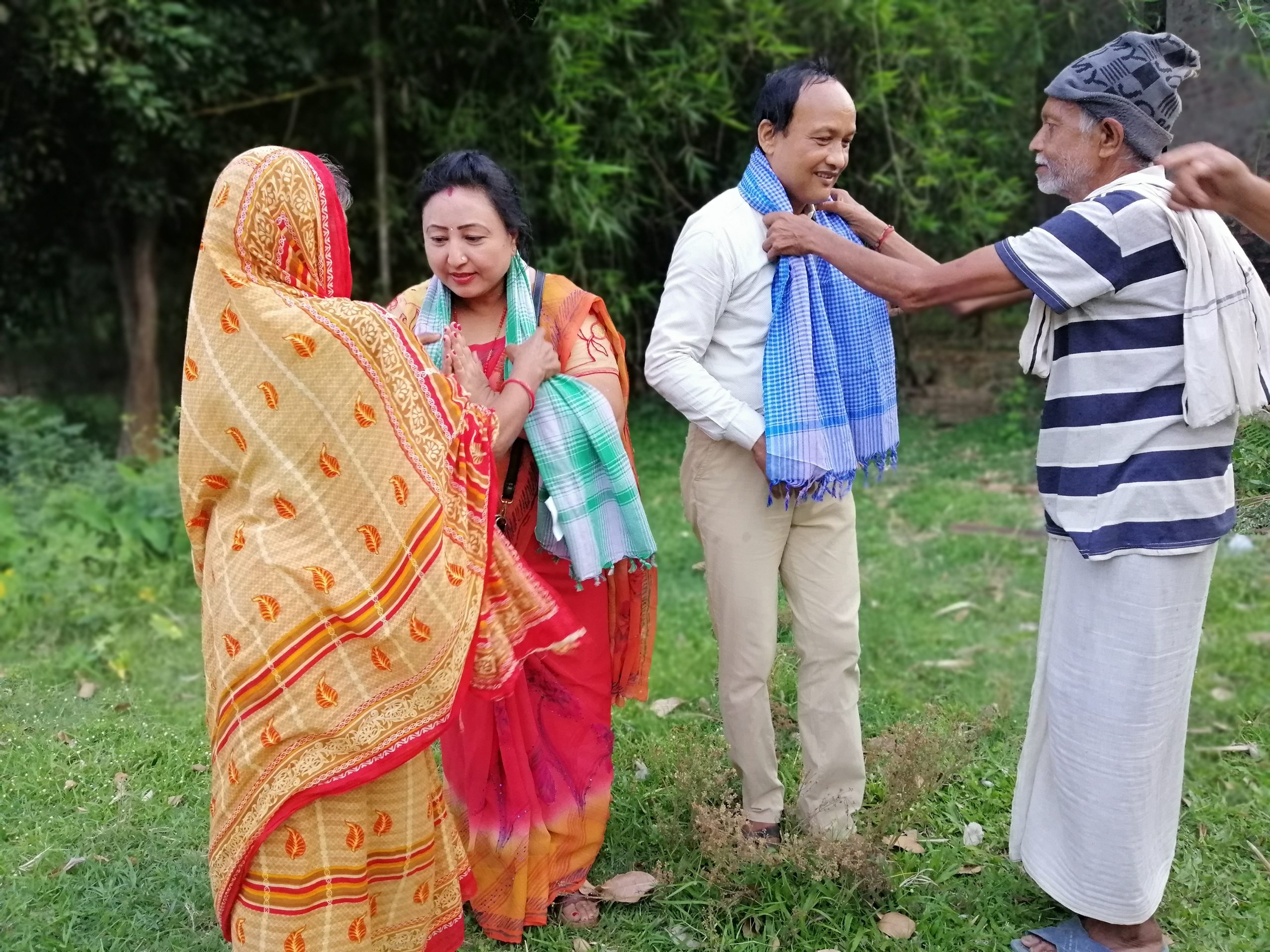 मनकारी जोडीलाई गुप्ता परिवारले गरे स्वागत, आशीर्वाद दिदै मानव कल्याणमा लागी रहन सुझाव