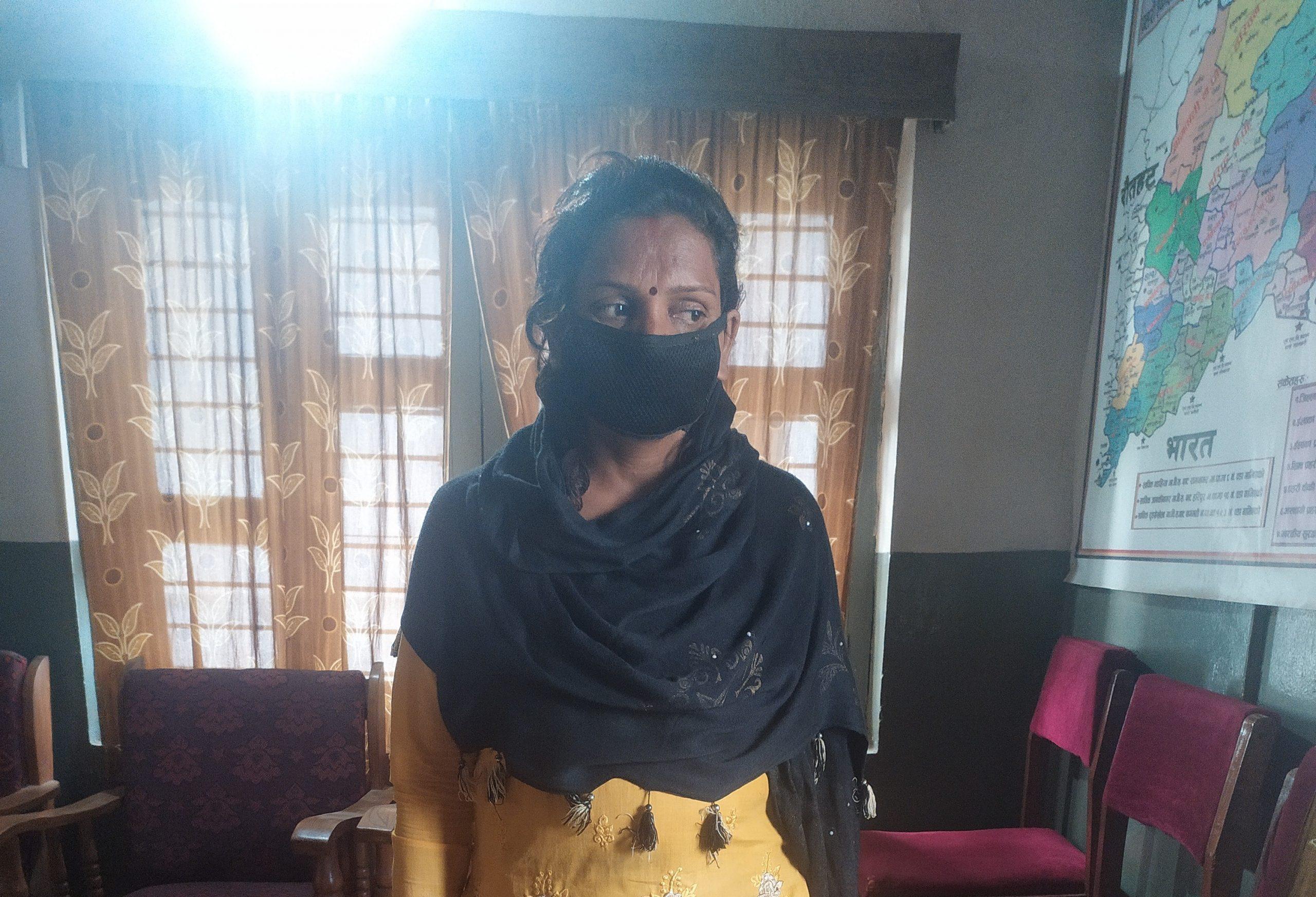सर्लाहीमा ग्यास चुल्हा र सिलिण्डर दिने भन्दै रकम असुली गर्ने महिला पक्राउ