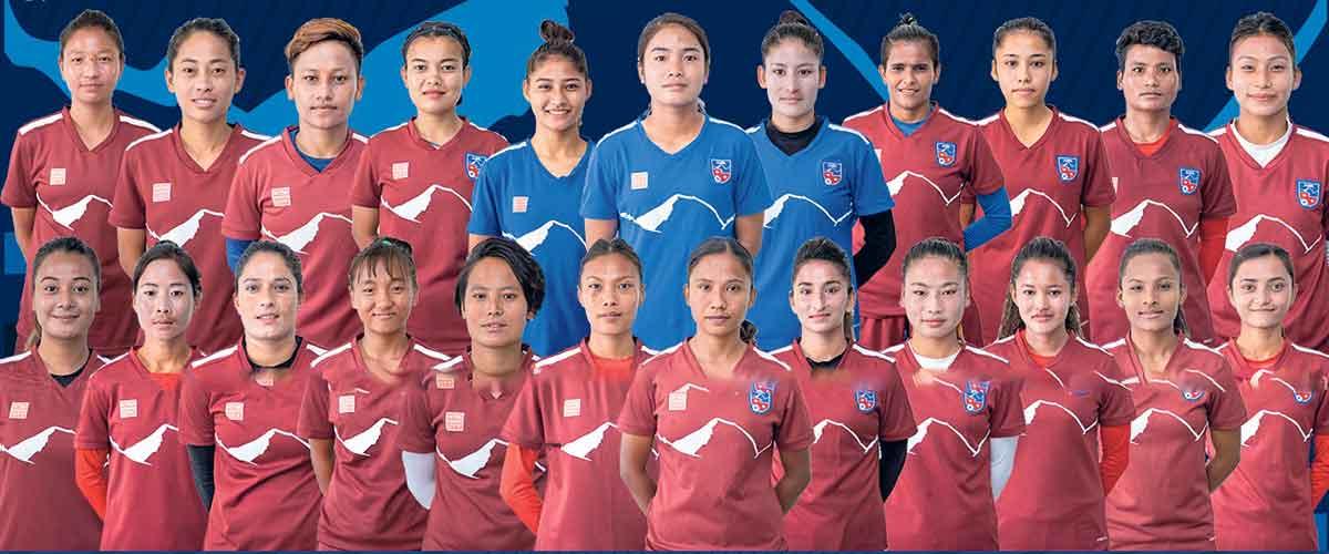 नेपाल र बङ्गलादेशको महिला टोली मैत्रीपूर्ण फुटबलमा भिड्दै